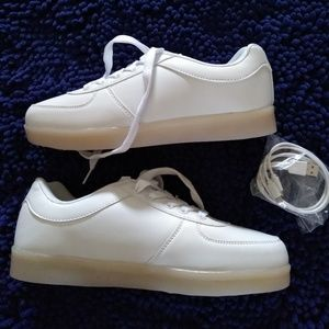 West Hun White Light up Sneakers